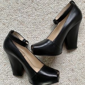 Yves Saint Laurent Black Platform Heels 39.5